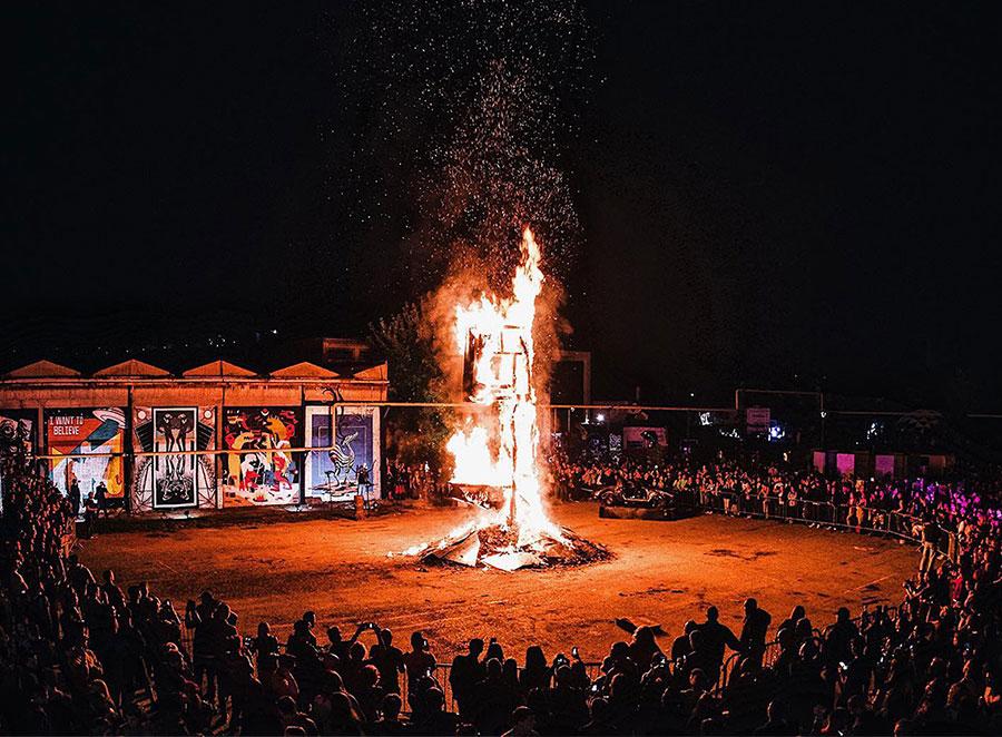 Piros, Festival Dev9t